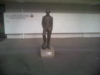 Statue Dionys Schönecker
