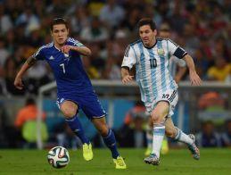 Bešić, à la lutte avec Messi - Source [2]